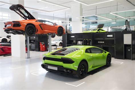 Lamborghini Maintenance World S Largest Lamborghini Showroom Opens In Dubai