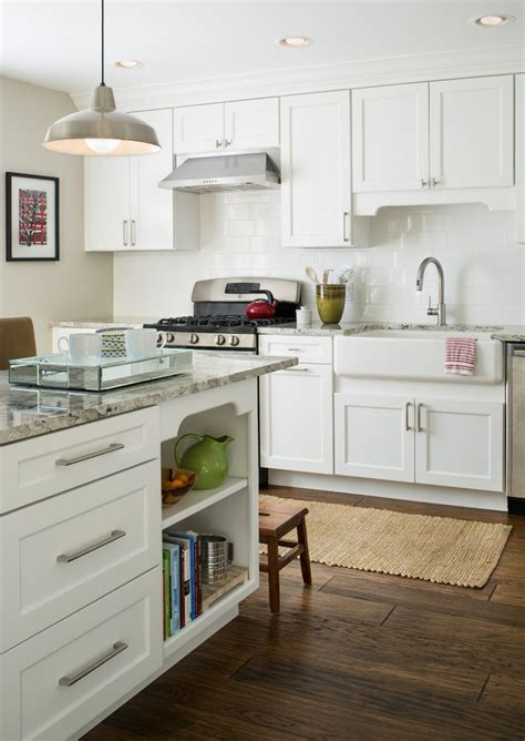dishy knobs  pulls lowes  white shakers cabinets