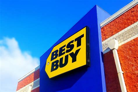 best buy shoppers are already in line waiting for black