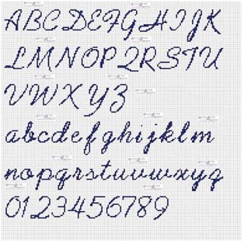 lettere punto croce corsivo oltre 25 fantastiche idee su lettere punto croce su