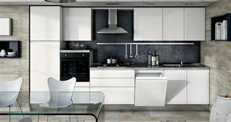 Kitchen Backsplash Photos White Cabinets by Cucina Moderna Laccata Con Gola Satinata Completa Di