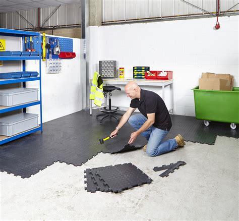 werkstatt bodenbelag interlocking vinyl floor tiles flooring heavy duty