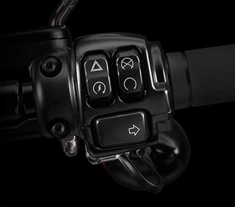 Motorrad Elektronischer Gasgriff harley davidson softail breakout 2017 features