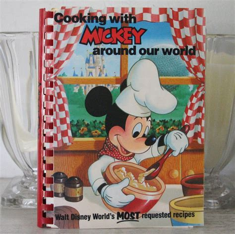 Mouse Kitchen Book 1st Edition Mickey Mouse Disneyland Cookbook From