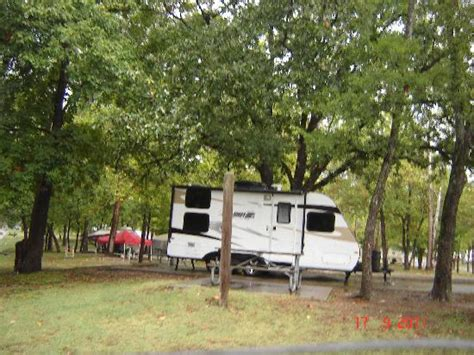 c ground picture of table rock state park branson