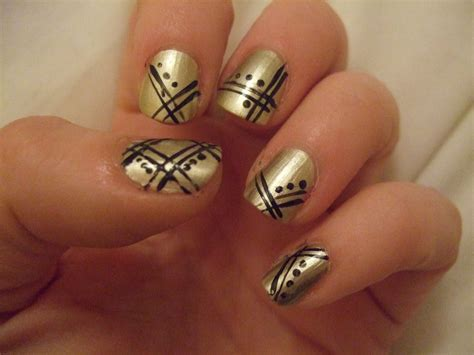 Nail Deco by Oooooh Pretty Gold Deco Nails