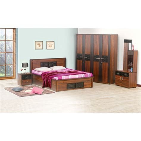 4 piece bedroom set carvin 4 piece bedroom set damro