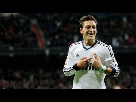 imagenes ozil real madrid mesut 214 zil the magic real madrid 2012 2013 hd youtube
