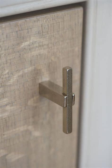white cabinet bronze hardware stuk meubelknop ptt wit brons wb 60mm dauby deurbeslag