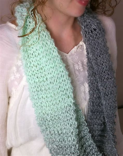 pattern for knitting a scarf beginner beginner s knit infinity scarf allfreeknitting com