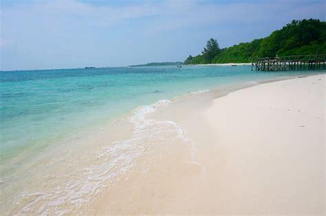 pantai  medan  keindahan   alami