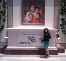 Desi Arnaz Death by Karen Carpenter Funeral Open Casket Pictures To Pin On