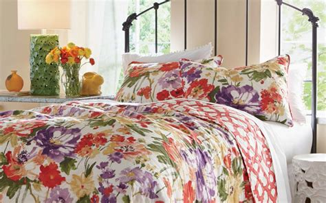 bedroom design with quilts decorating your home with quilts