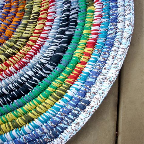 rug made from tshirts coiled t shirt yarn rug this rug was made of clean used t flickr