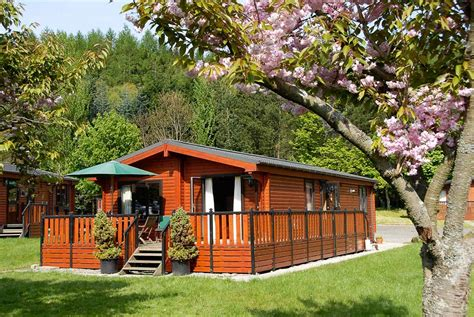 Log Cabins With Tubs In Scotland Loch Lomond by Sandwood Lodge Visitscotland