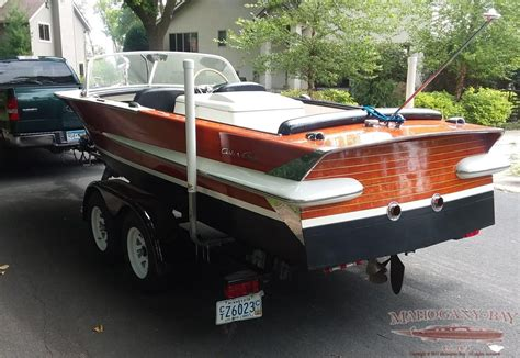 chris craft boats vintage 1962 20ft chris craft holiday classic wooden boats for
