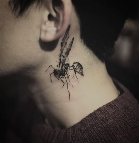 wasp tattoo design cool wasp on neck blackwork