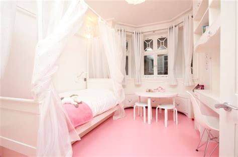 Ordinary Chambre Bebe Fille Orange  #12: Contemporary-girls-bedroom-in-pristine-white-and-pretty-pink.jpg