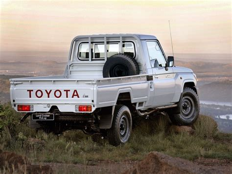 land cruiser 70 pickup 2017 toyota land cruiser prado gets range topping