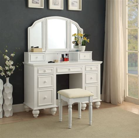 Athy Transitional White Solid Wood Vanity With Stool by Furniture Of America Athy White Vanity With Stool The