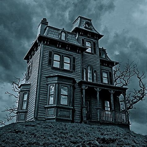 sexual haunted house 7 real haunted houses to tour for halloween madmikesamerica