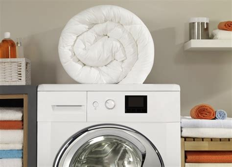How To Wash A Comforter In Washing Machine by Household Tips And Tricks 9 Things You Re Cleaning Way
