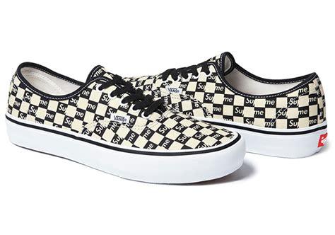 Kaos Supreme Black Logo Box Newyork Blue Premium supreme x vans checkerboard pack sneakerfiles