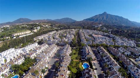 3 Bedroom Townhouses For Rent holiday let to rent in marbella nueva andalucia los