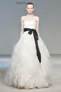 Wedding Dresses 2010 Vera Wang Fall 2010 Wedding Dress Collection Wedding Dress Hairstyles Bridal Beauty