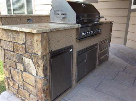 stucco outdoor kitchen outdoor kitchen with mixed veneer and stucco hi