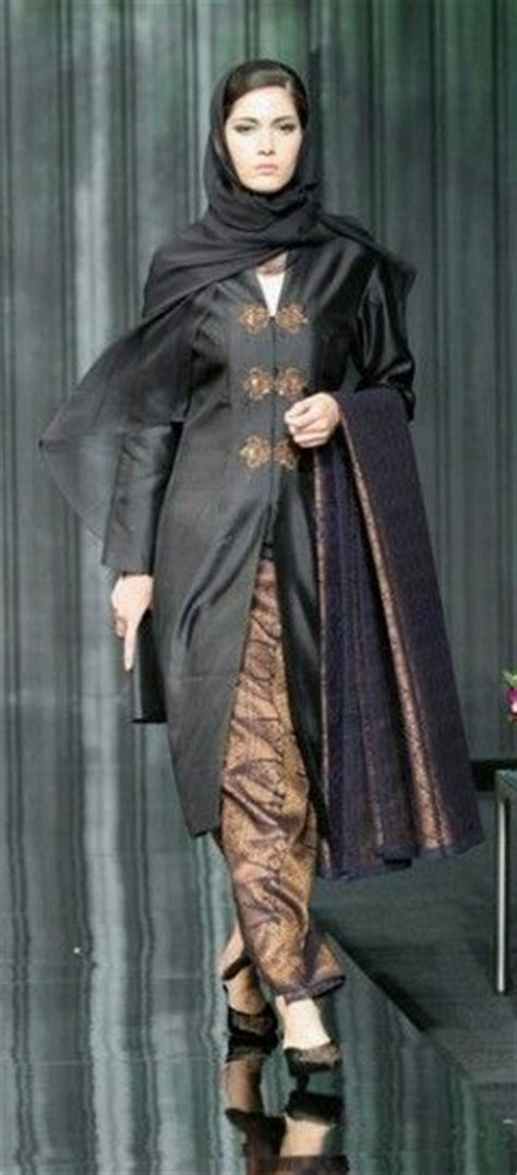 Sp1204 Kain Batik Klasik Pastel kebaya labuh kurung kebaya dresses by malaysian traditional kebaya