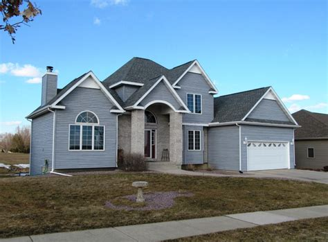 homes for in wisconsin 21 000 price drop on this stoughton wi rock