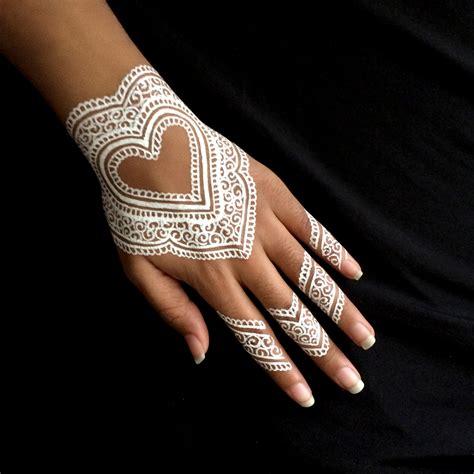 design henna putih tak hanya merah atau hitam inspirasi henna putih ini