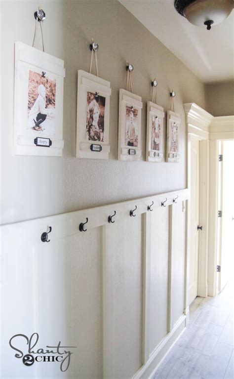 ideas on hanging pictures in hallway best 25 upstairs landing ideas on