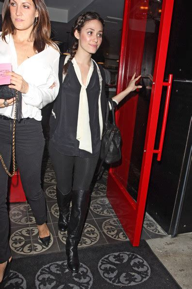 emmy rossum vera wang wear tights right