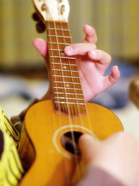 lessons for ukulele ukulele lessons london ukulele teacher london ukulele