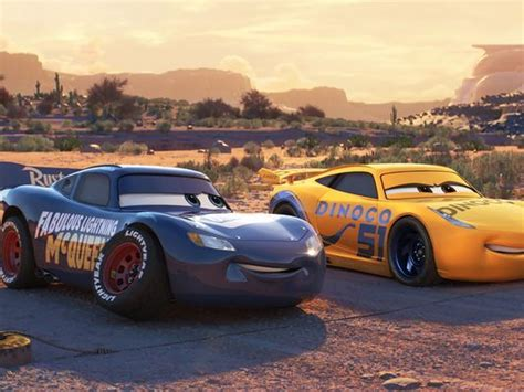 new paint cars 3 why lightning mcqueen got a new paint spoilers
