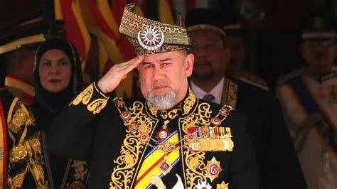 malaysias king muhammad  steps    years