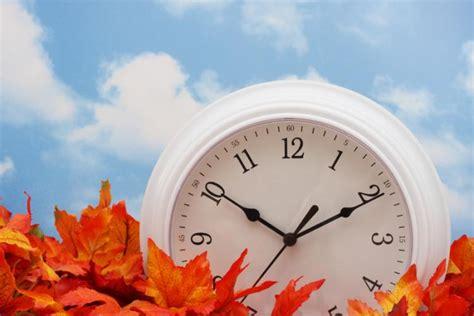 sun nov   dst ends  clocks    hour  usa canada