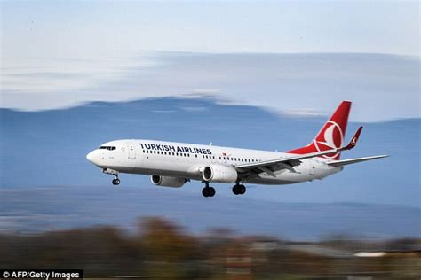 Wifi Di Pesawat penumpang temukan sinyal wifi bernama bom di pesawat turkish airlines mendarat darurat