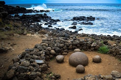 Keajaiban Paskah ajaib ada batu bulat bermagnet di pulau paskah