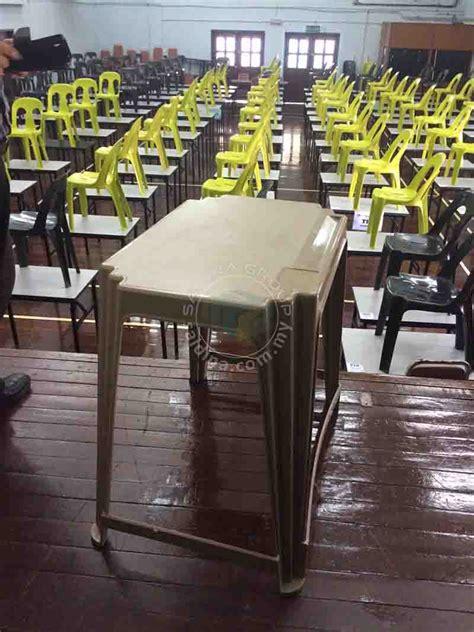 Meja Komputer Malaysia pembekal meja peperiksaan sekolah utama malaysia terus