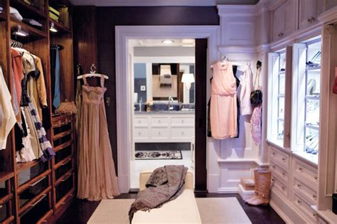 How Big Does A Walk In Closet Need To Be by Closet Envy Belclaire House