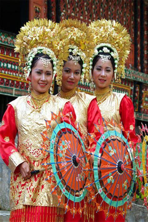 Payung Tari Brukat Hias Tradisional belajar aneka tari tradisional indonesia tari payung
