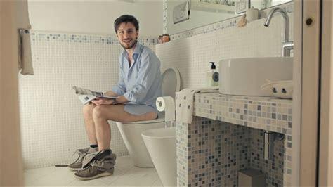 persone fanno l in bagno airwnc l app per chi non sa dove andare al bagno wired