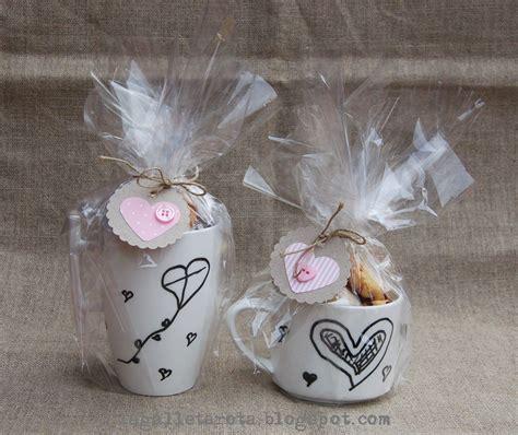 como envolver una taza para regalar tazas con dulces para regalar buscar con google