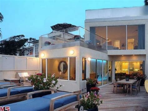 jim carrey house jim carrey home in malibu colony house listed at 13 950 000 photos huffpost