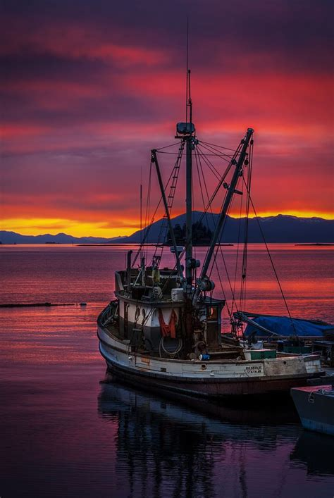 jobs on a fishing boat in alaska 9 best alaska fishing jobs images on pinterest alaska