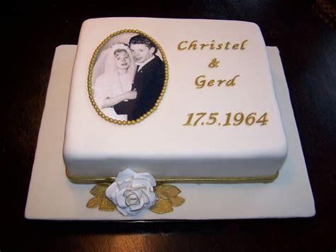 hochzeitstag torte bestellen fondanttorte zur goldenen hochzeit mit essbarem foto