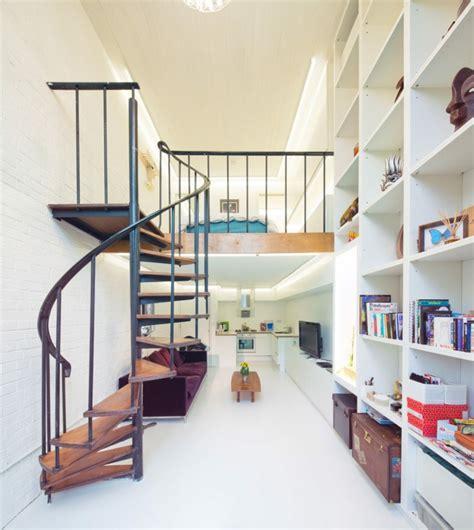 treppenhaus dekorieren eine kompakte treppe in kleiner wohnung backstein optik